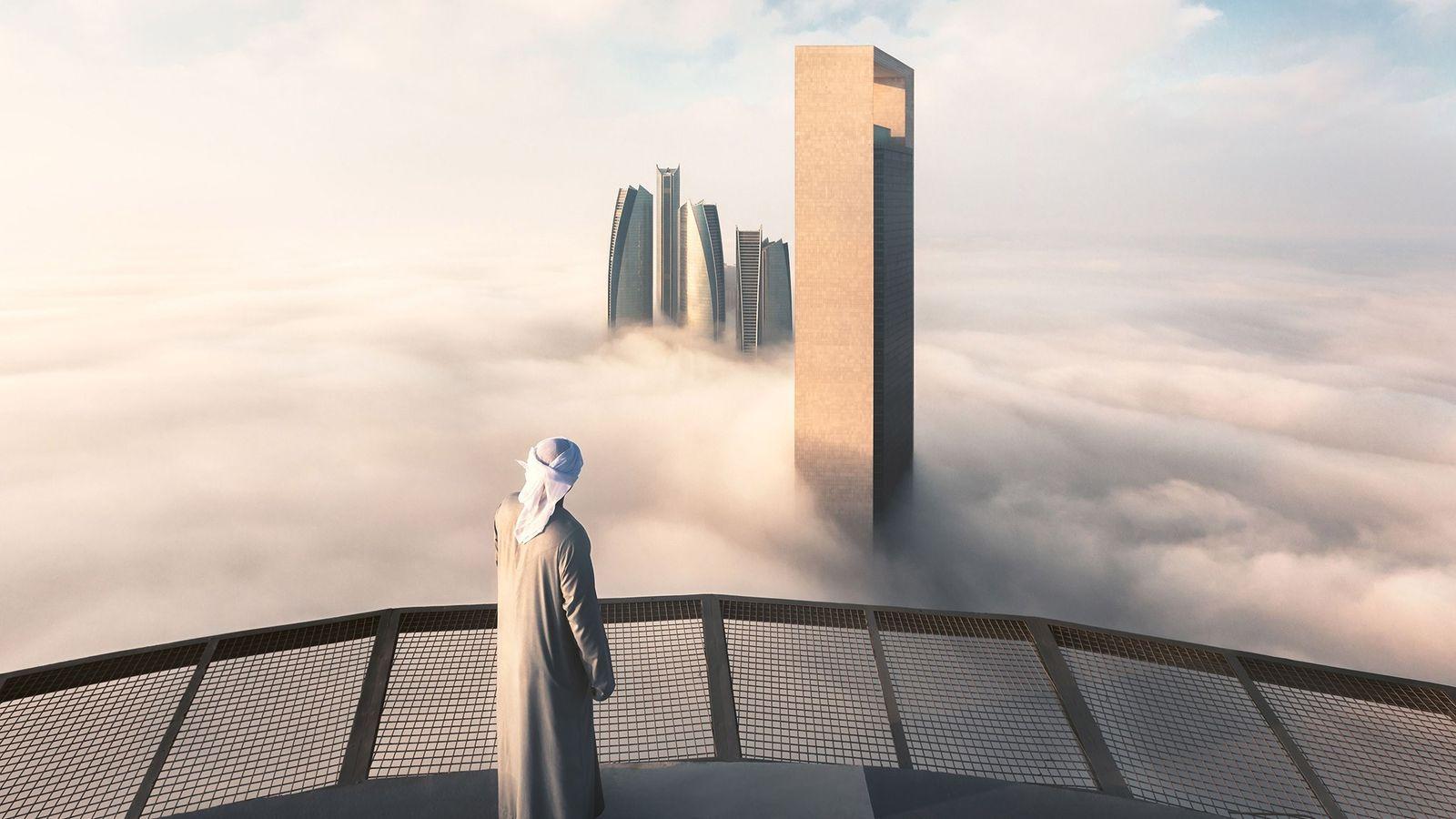 As Etihad Towers surgem em meio a um tapete de nuvens, criando uma paisagem que mais ...