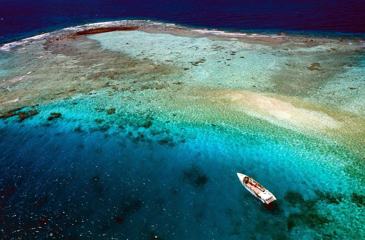 RANGIROA, POLINÉSIA FRANCESA   A remota Rangiroa é o segundo maior atol do mundo; o Taiti inteiro, ...