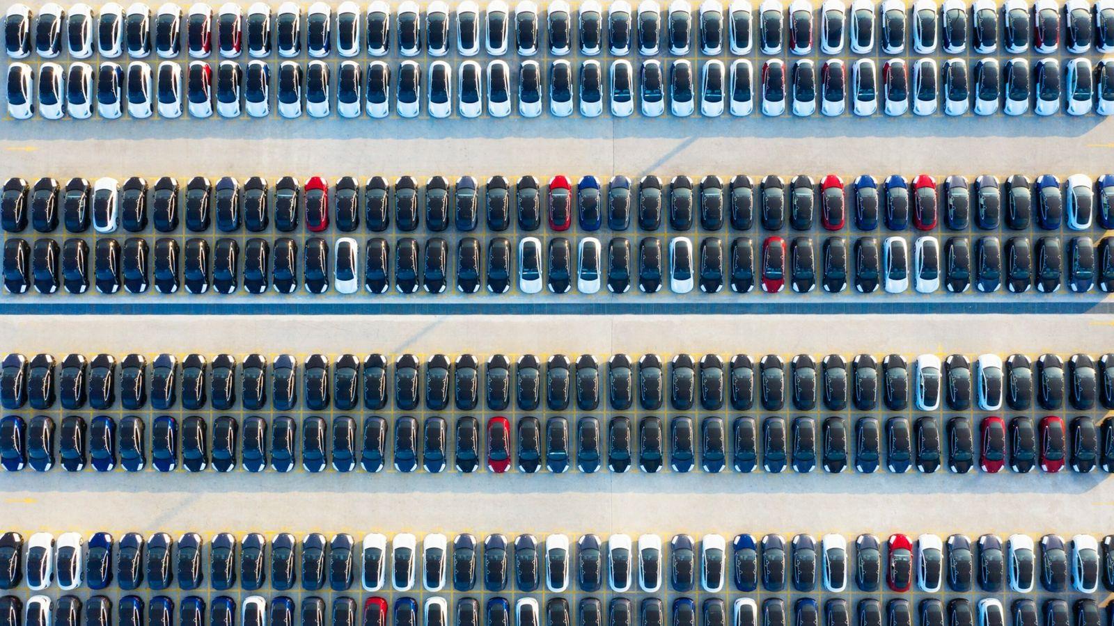 Fotos aéreas, tiradas em 24 de outubro de 2020, mostram a superfábrica da Tesla em Xangai, ...