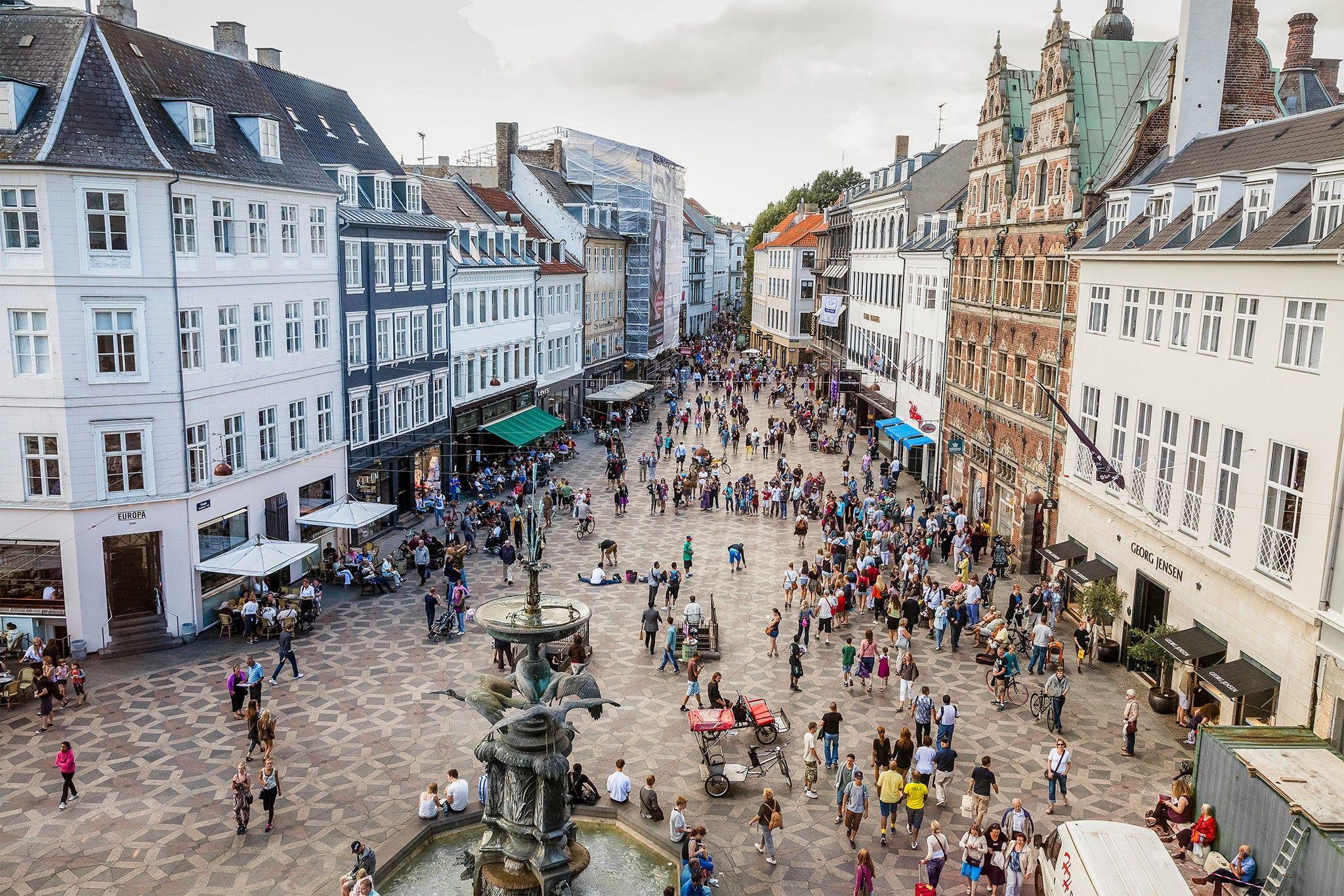 Dinamarquês usa 4 sacos plásticos por ano. Americano usa 1 por dia