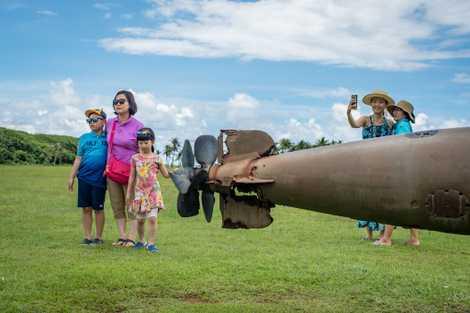 Japoneses invadiram Guam durante Segunda Guerra, agora são recebidos como turistas