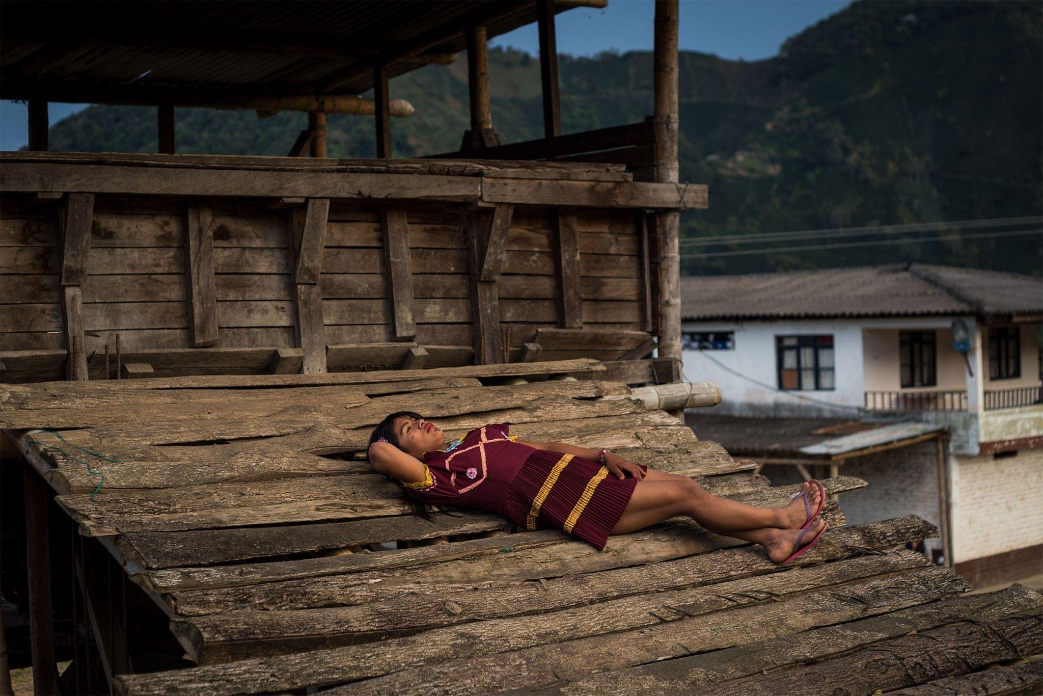 Mulheres indígenas trans encontram refúgio nas fazendas de café na Colômbia | National Geographic