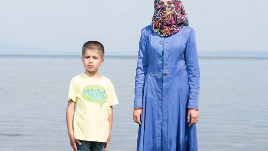 Veja imagens de jovens sírios refugiados na ilha grega de Lesbos