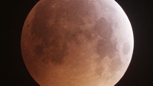 Lua libera quantidade surpreendente de água durante chuvas de meteoros