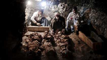 Confira as primeiras images de tumba recém-descoberta no Egito