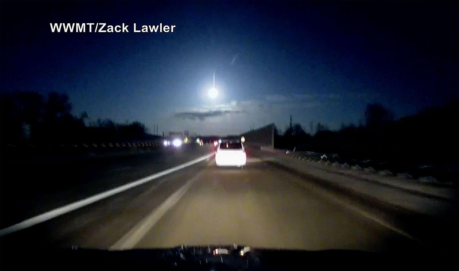 meteoro no céu dos EUA
