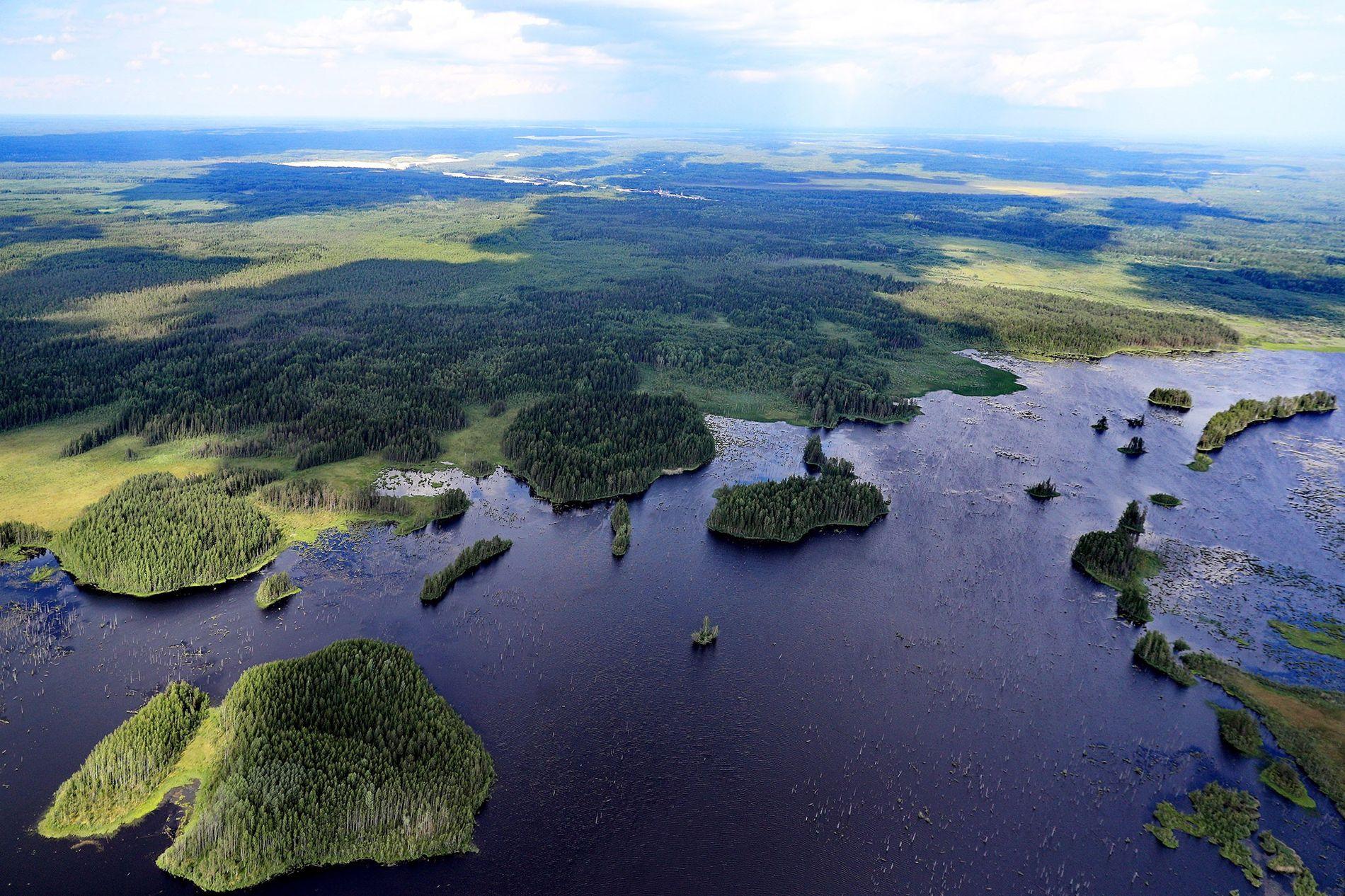 Visão aérea do rio Volodga, na Rússia, país que é um dos principais candidatos a eliminar ...
