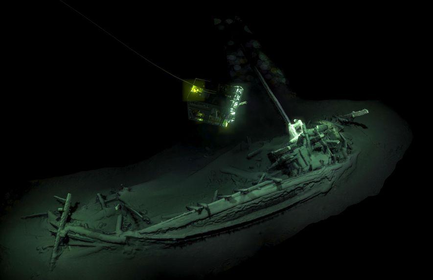 Antigo navio naufragado no Mar Negro é descoberta sem precedentes
