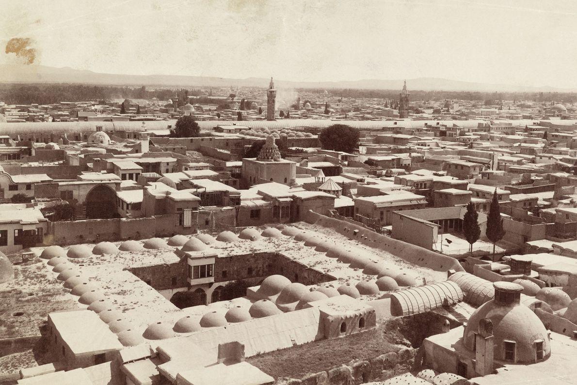 ORIENTE MÉDIO | Damasco, nesta imagem capturada em 1911, foi colonizada no terceiro milênio a.C. e ...