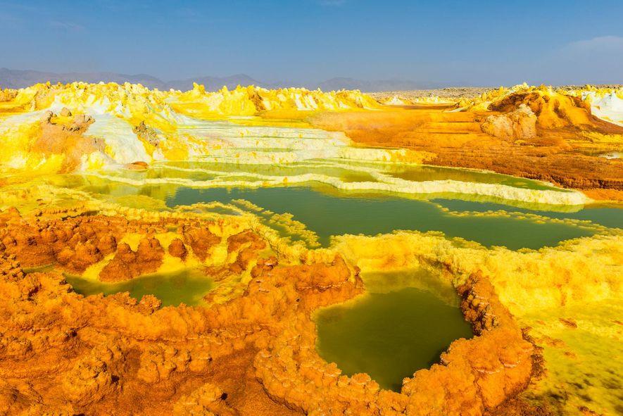 A Depressão Danakil, na Etiópia, é a definição do inóspito. A funda paisagem vulcânica é repleta …