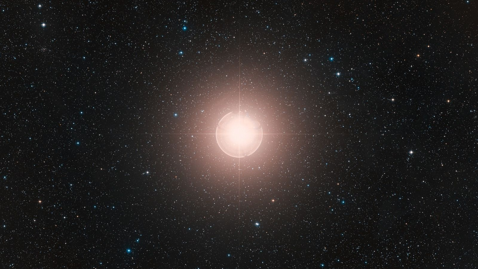 Esta imagem de Betelgeuse, uma das estrelas mais brilhantes do céu, é uma composição colorida montada ...