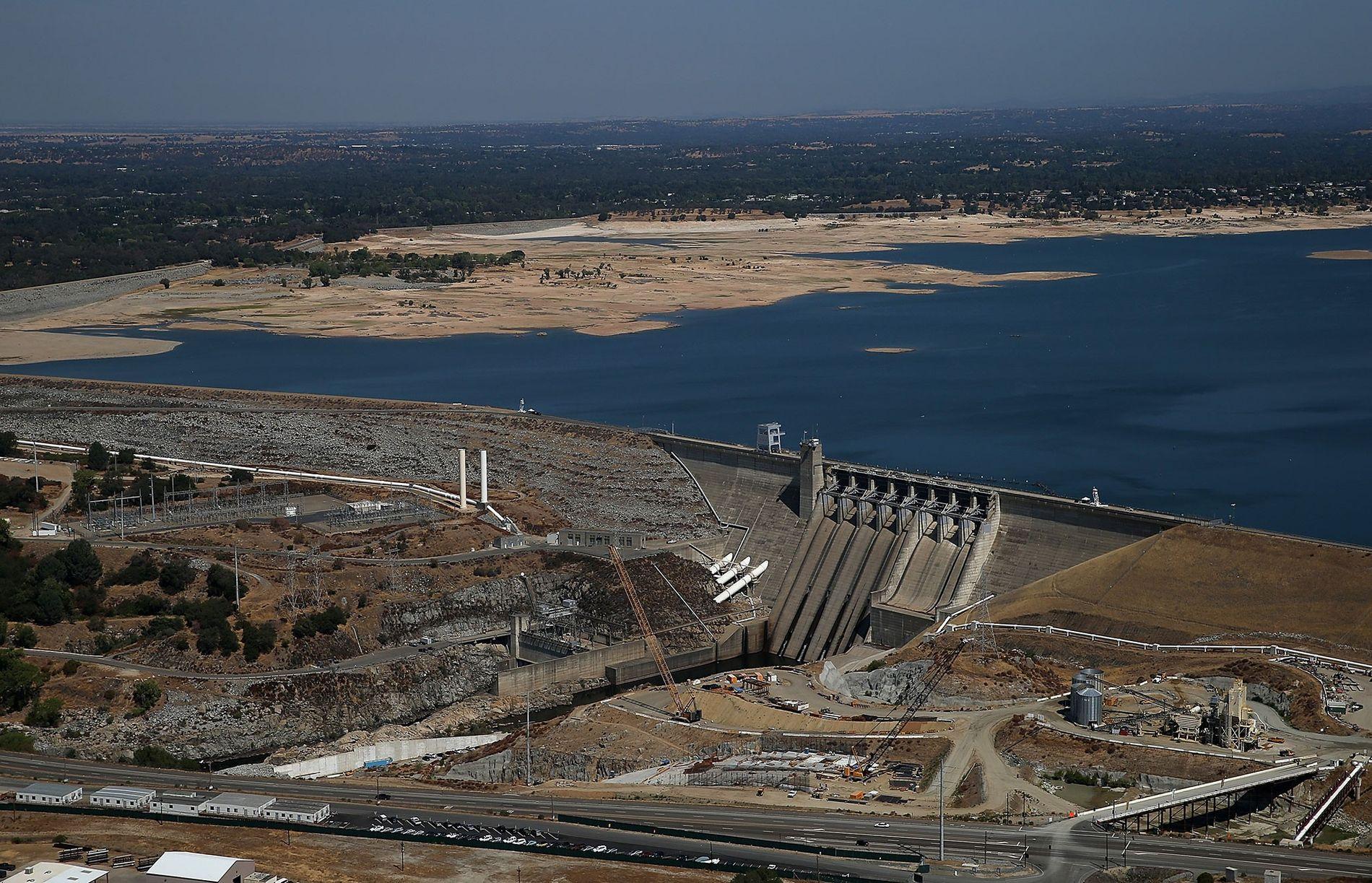 Os níveis hídricos retrocederam às mínimas históricas nos lagos e reservatórios da Califórnia em 2014. Na ...