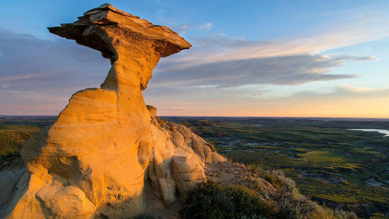 Camadas de rocha no oeste dos EUA, conhecidas como a Formação Hell Creek, preservam os últimos ...