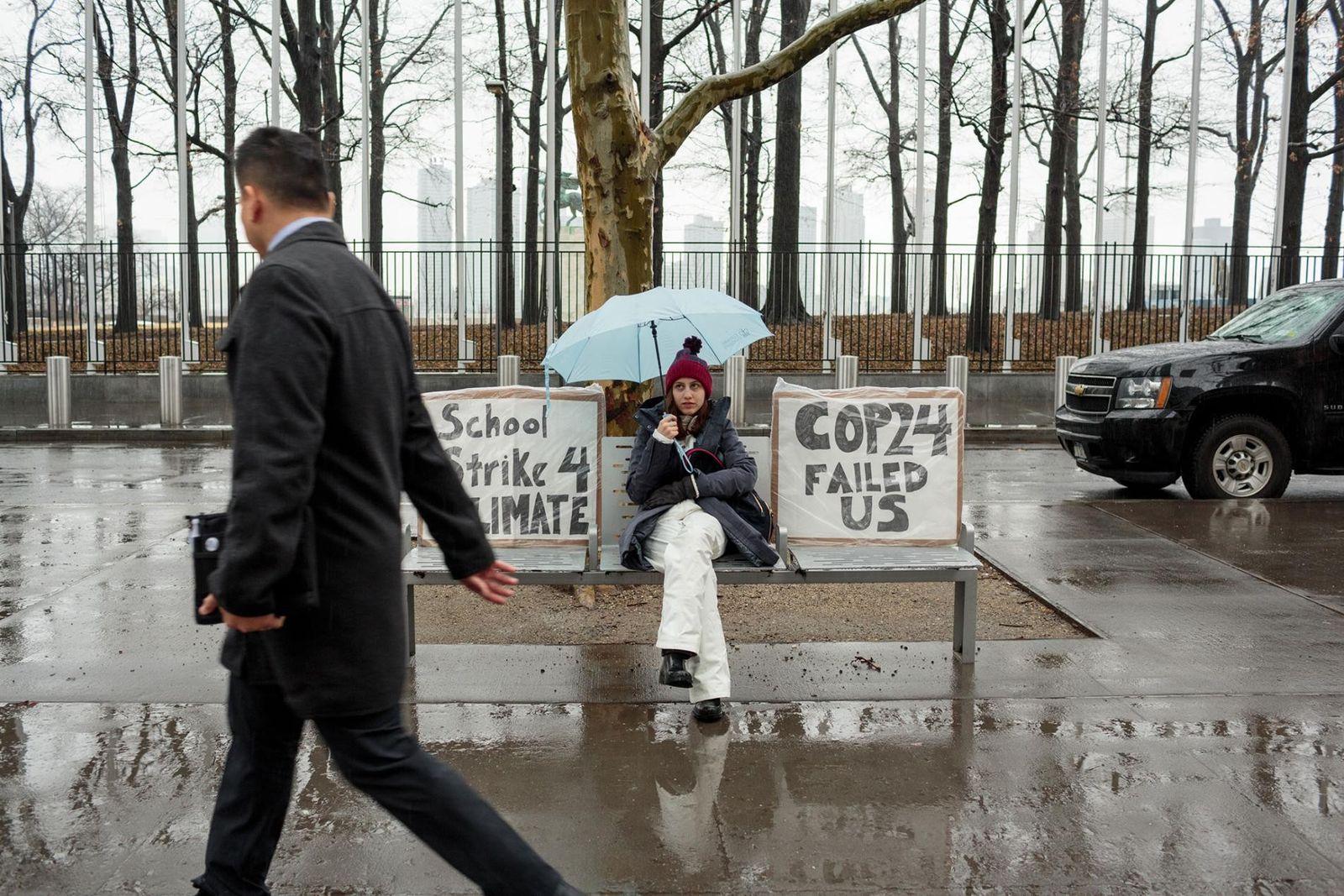 Jovens ativistas fazem greve para salvar o planeta das mudanças climáticas