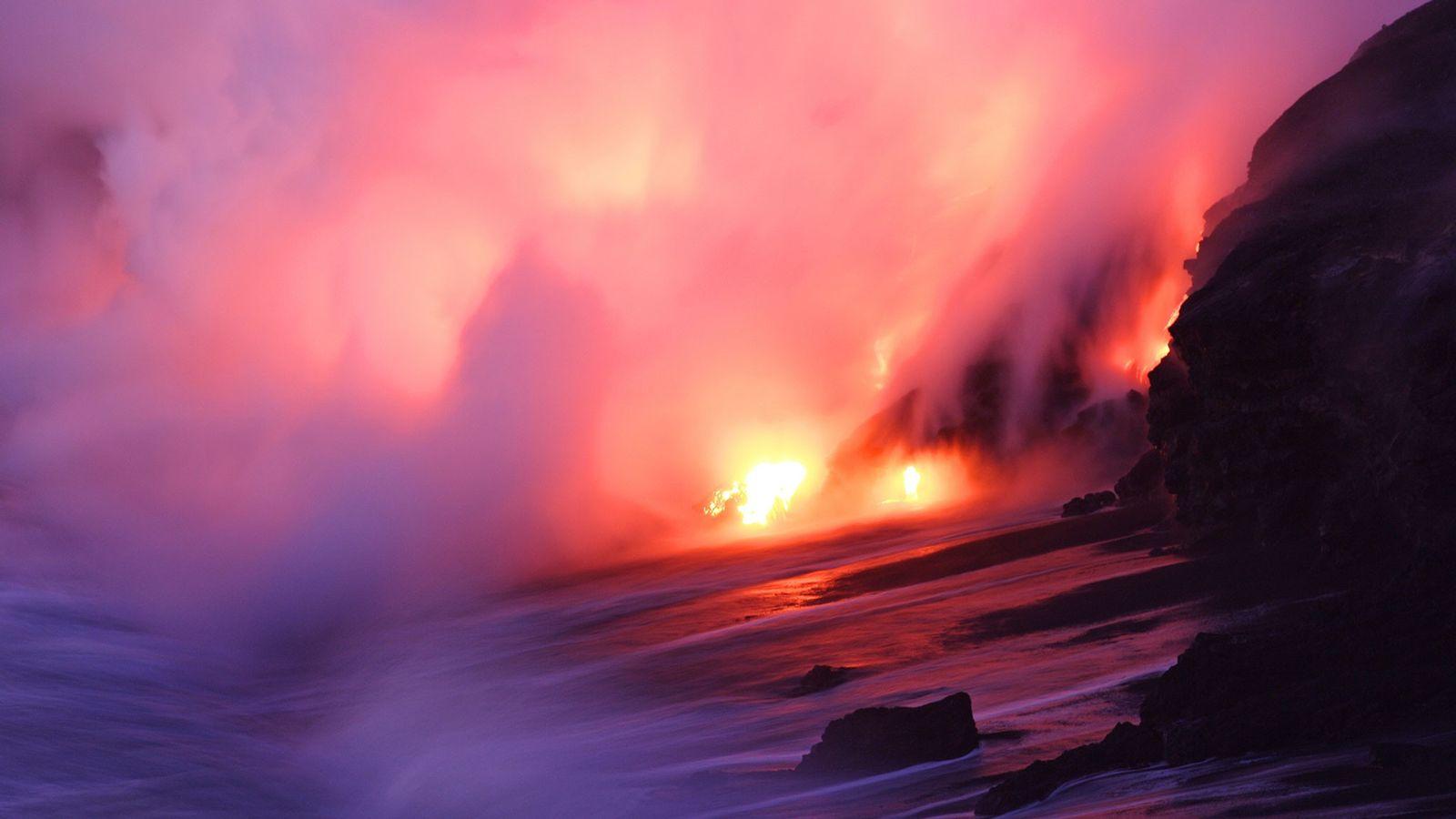 Rocha derretida escorreu como água do vulcão Kīlauea, no Havaí, no segundo semestre deste ano, destruindo ...