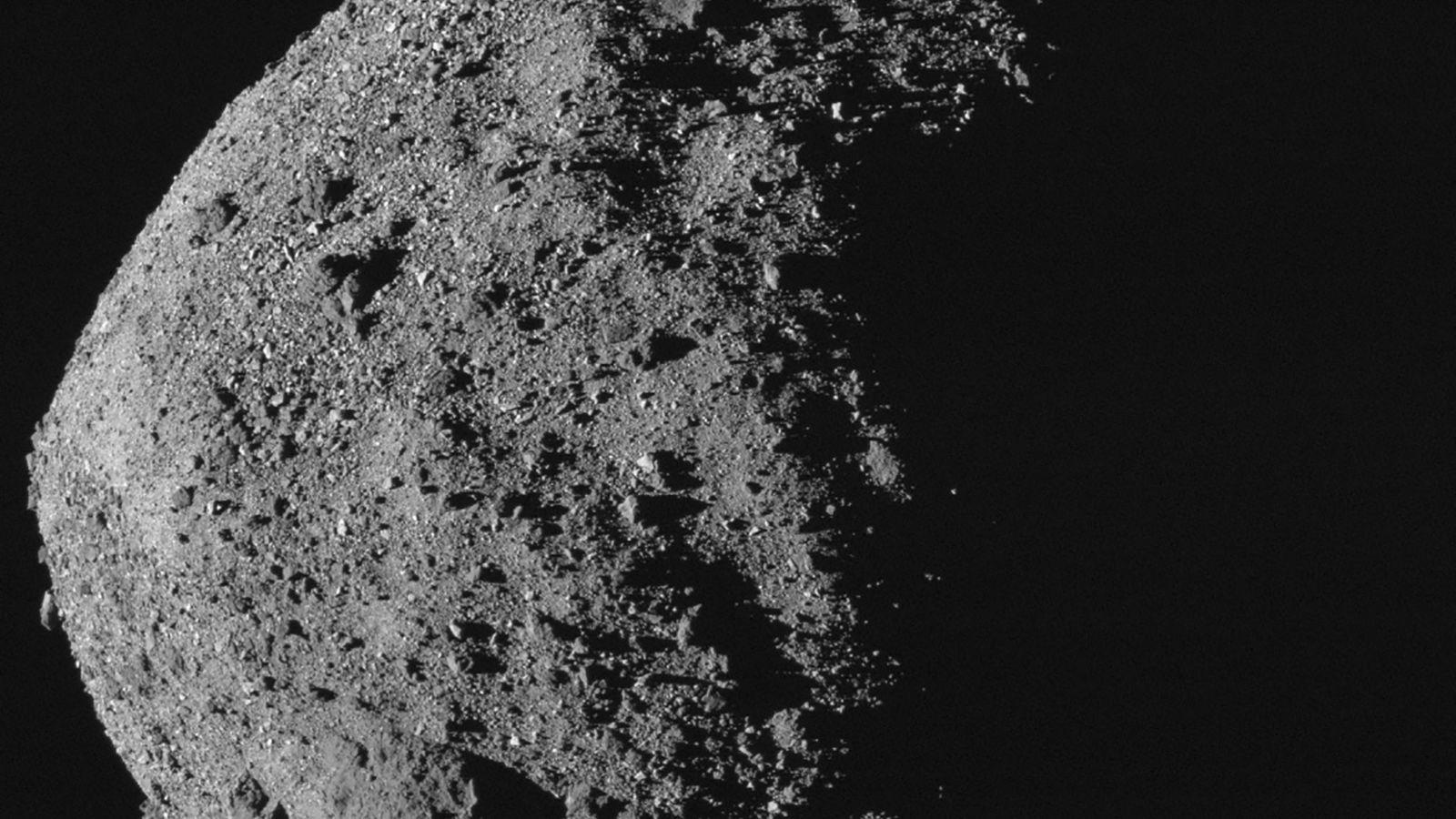 O asteroide Bennu, próximo à Terra, é um pouco mais extenso e mais largo do que ...