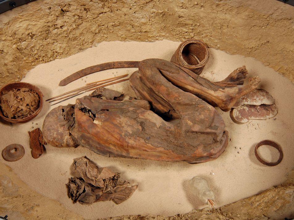 Múmia revela a mais antiga receita de embalsamento dos egípcios