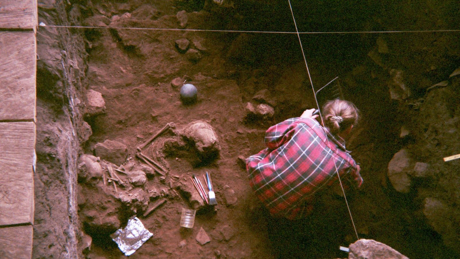 Pela primeira vez, cientistas analisaram a genética antiga de quatro indivíduos do abrigo rochoso de Shum ...