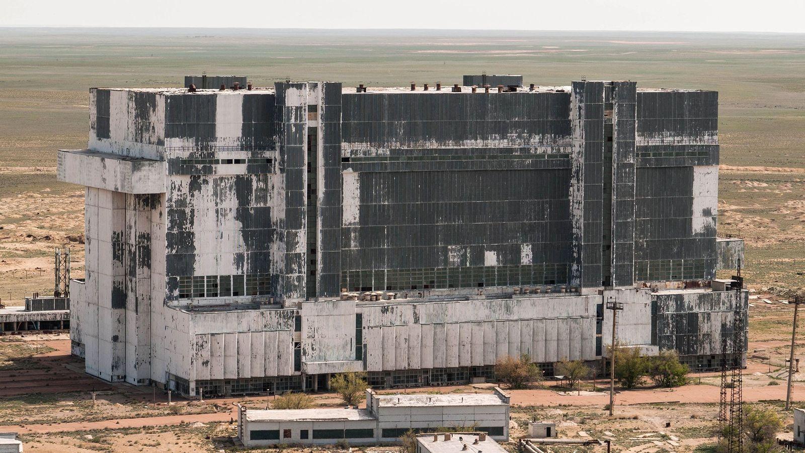 Com estruturas MKS feitas de aço especial, a nave aguentaria o choque de aumento de pressão ...