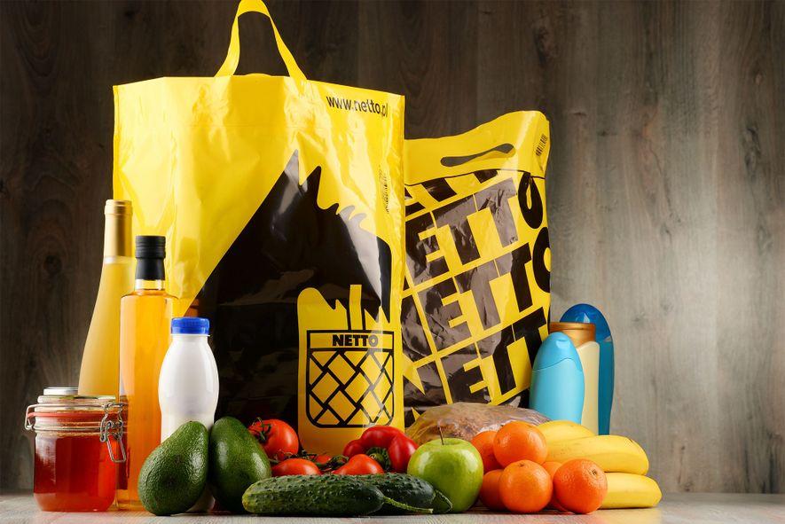 A rede de supermercados Netto está testando um programa de redução de sacolas na Dinamarca para ...