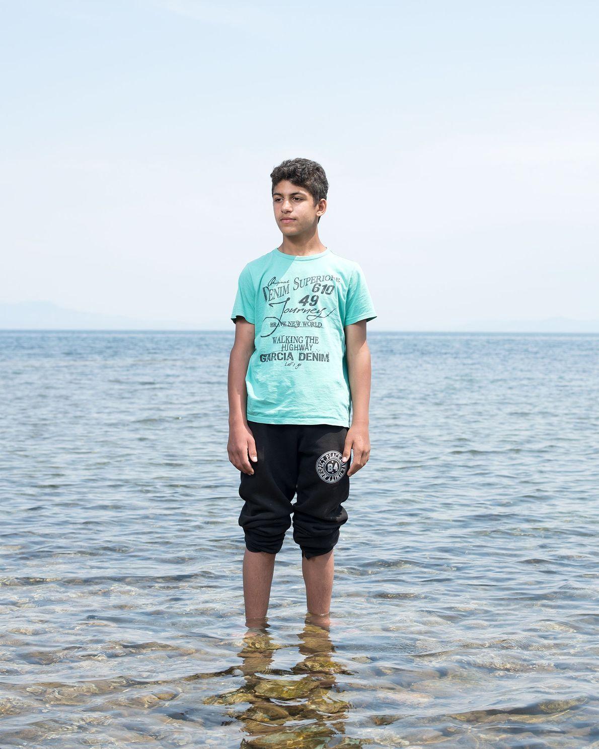 Bilal Al Fadoos chegou em Lesbos da Turquia em um barco de borracha com outras 62 ...