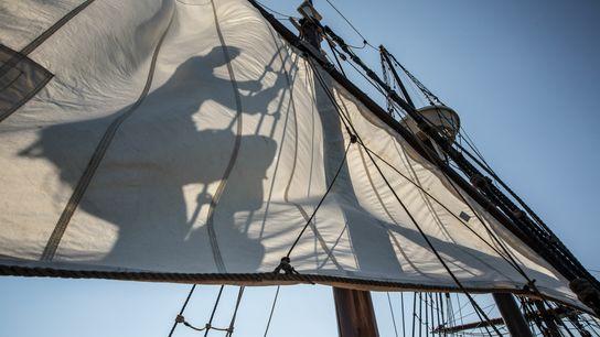 Mais de cem homens, mulheres e crianças navegaram da Inglaterra à Carolina do Norte em 1587 ...
