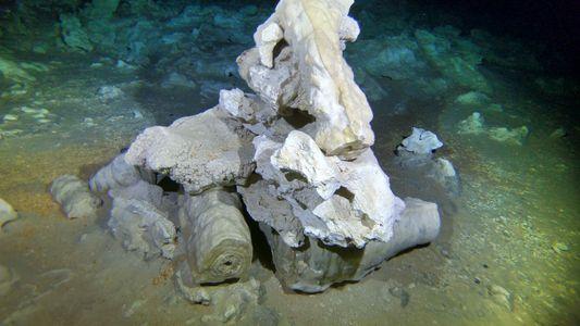 Imagens: mina de 11 mil anos no interior de caverna submersa surpreende arqueólogos