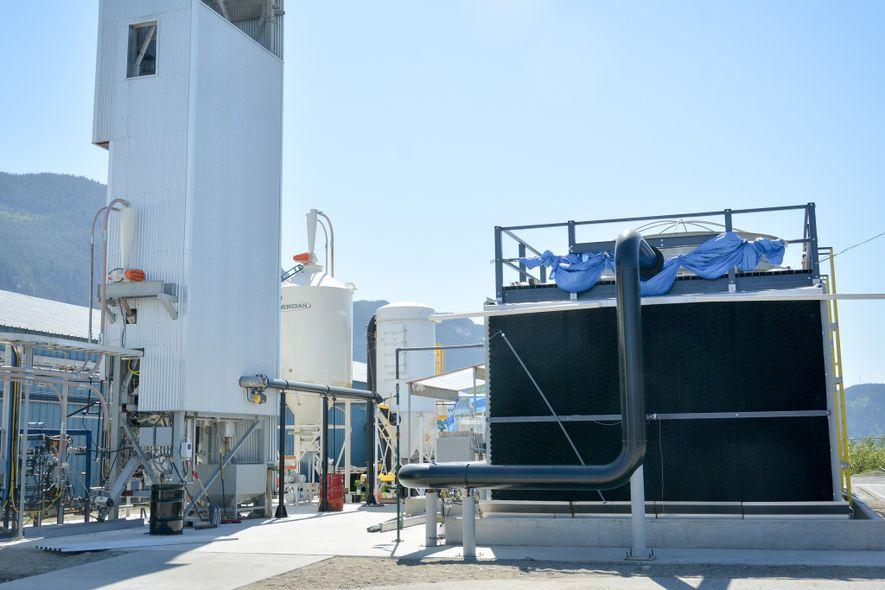 O equipamento da Carbon Engineering tira o dióxido de carbono da atmosfera em uma planta teste ...