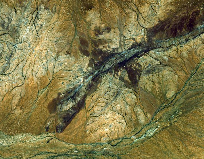 O satélite ASTER capturou esta imagem da região de Jack Hills, na Austrália. É o fragmento ...