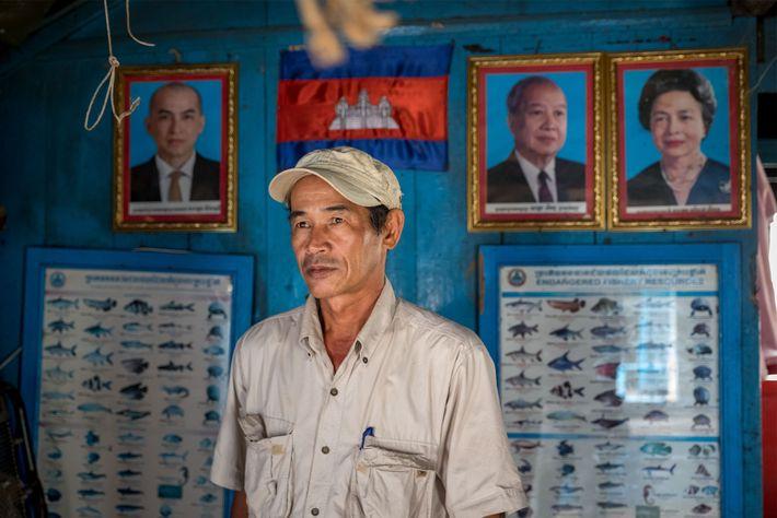 Thach Phanara, chefe dos laboratórios do Instituto de Pesquisas e Desenvolvimento de Pescas do Camboja, acredita ...