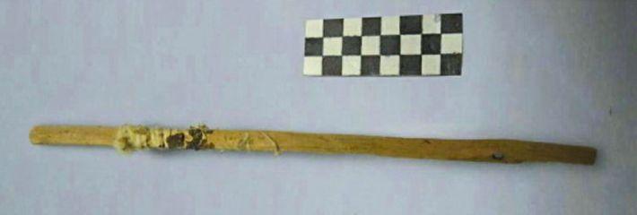 """Uma das muitas """"varetas de limpeza"""" descobertas em um local da Rota da Seda na China. ..."""
