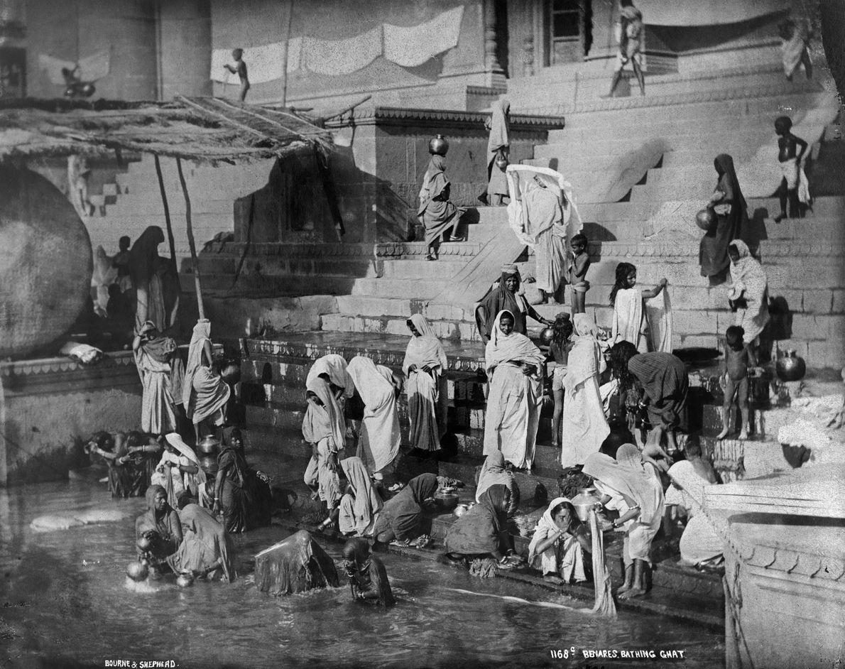 ÁSIA | Varanasi, fotografada pela National Geographic em 1907, é habitada há pelo menos 3 mil ...