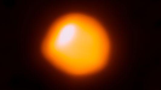 Vinte vezes mais pesada que o Sol, estrela colossal pode estar prestes a explodir