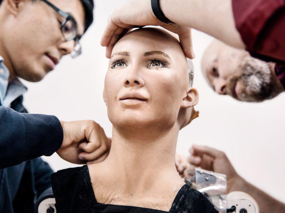 Veja imagens de Sophia, a robô que parece quase humana