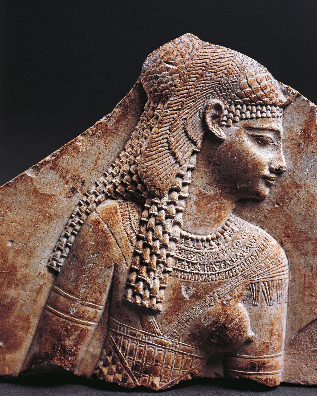 Imagem de Cleópatra em relevo