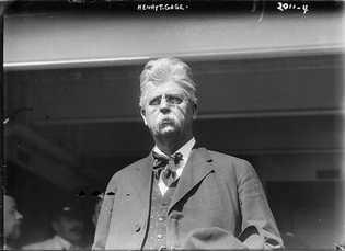O governador da Califórnia, Henry Gage, negou veementemente a existência da peste em seu estado e ...