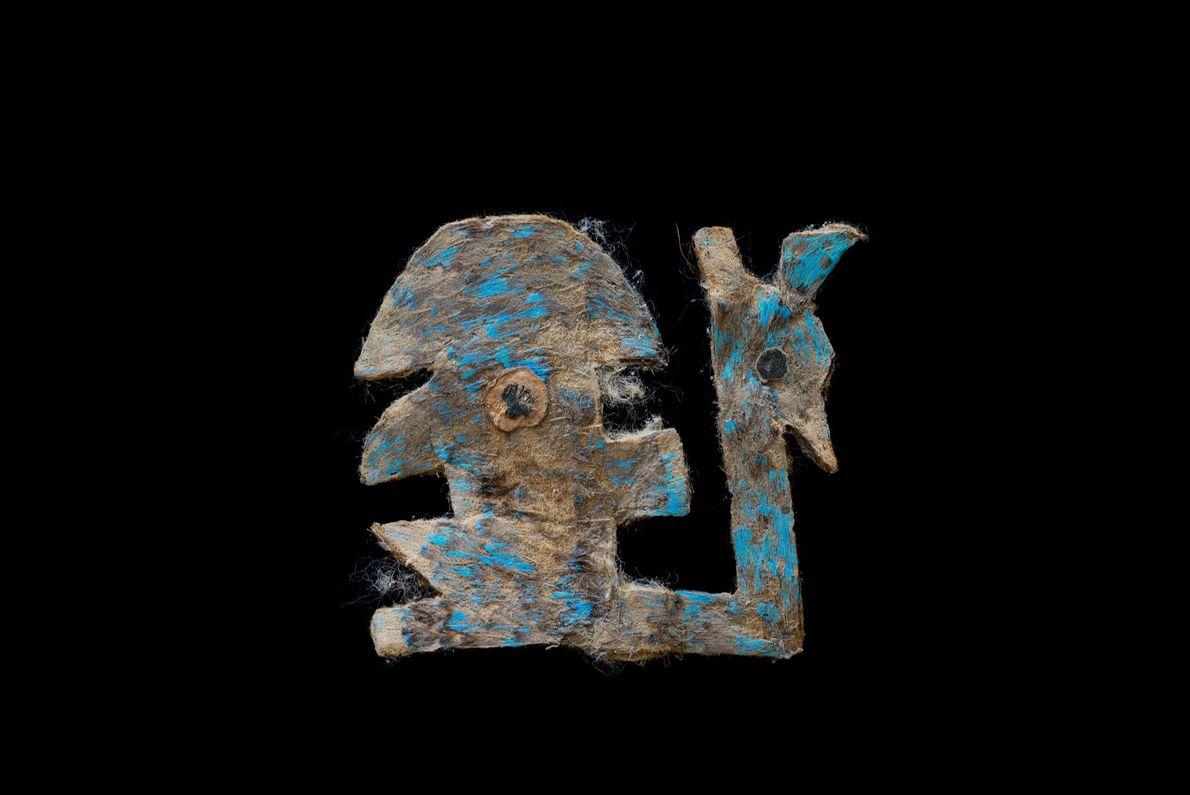 Obra de arte com penas azuis wari