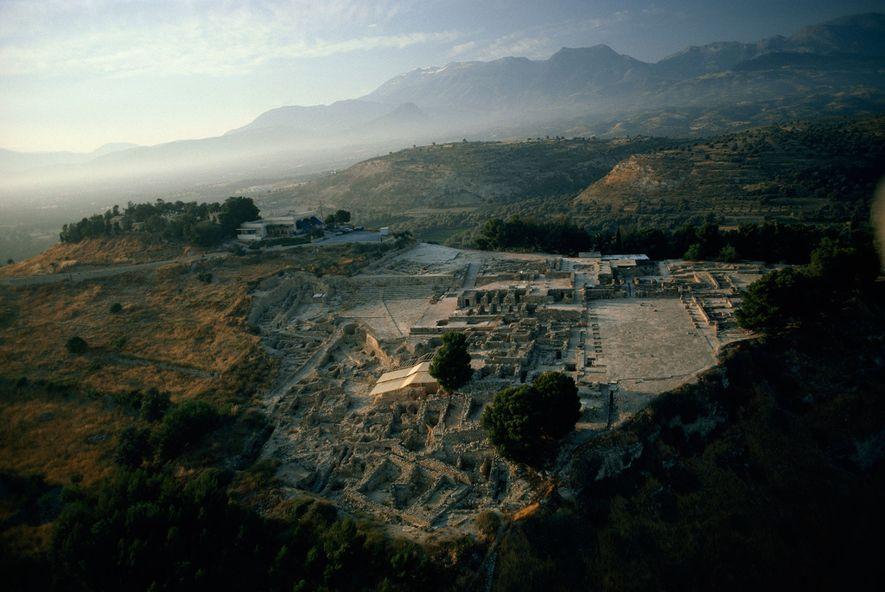 Phaistos, na ilha de Creta, foi um dos mais importantes centros da civilização Minoica. Poderosos computadores ...