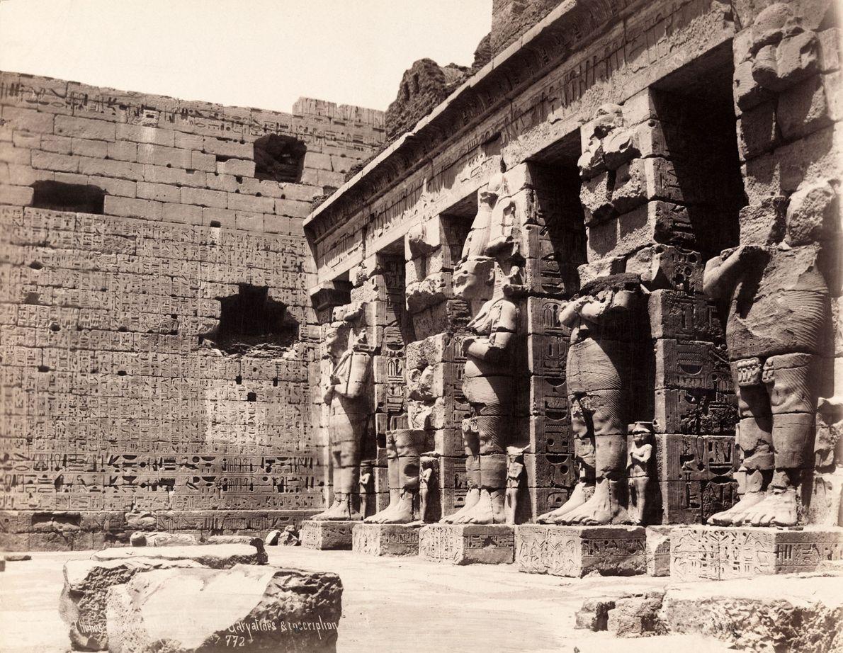 ÁFRICA | A antiga capital egípcia de Tebas, nesta foto tirada em 1913, é agora a ...