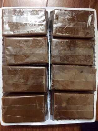 A pasta de ossos de tigre é utilizada na medicina tradicional vietnamita e é o principal ...