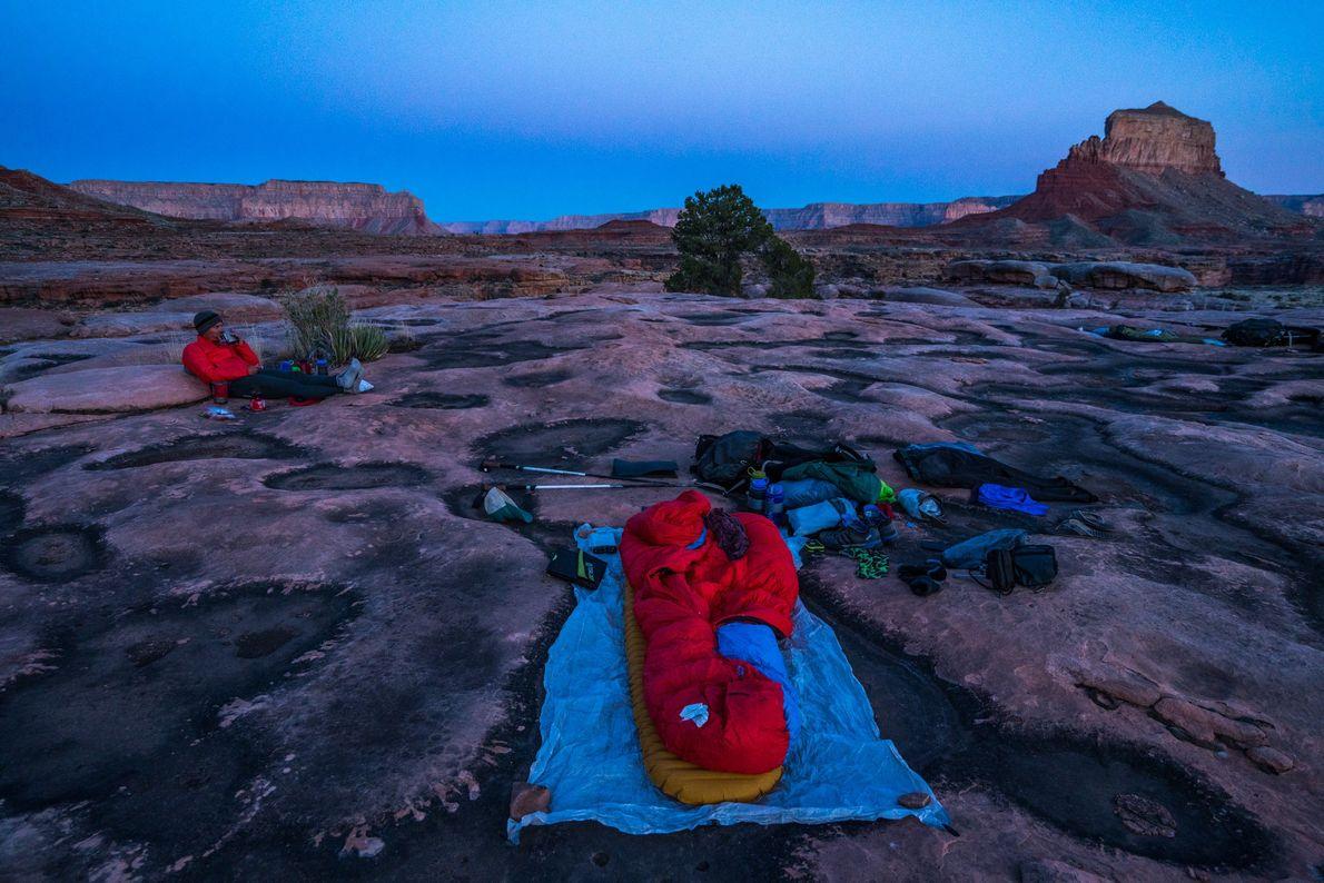 Trekkers acampados no lado norte do Grand Canyon.