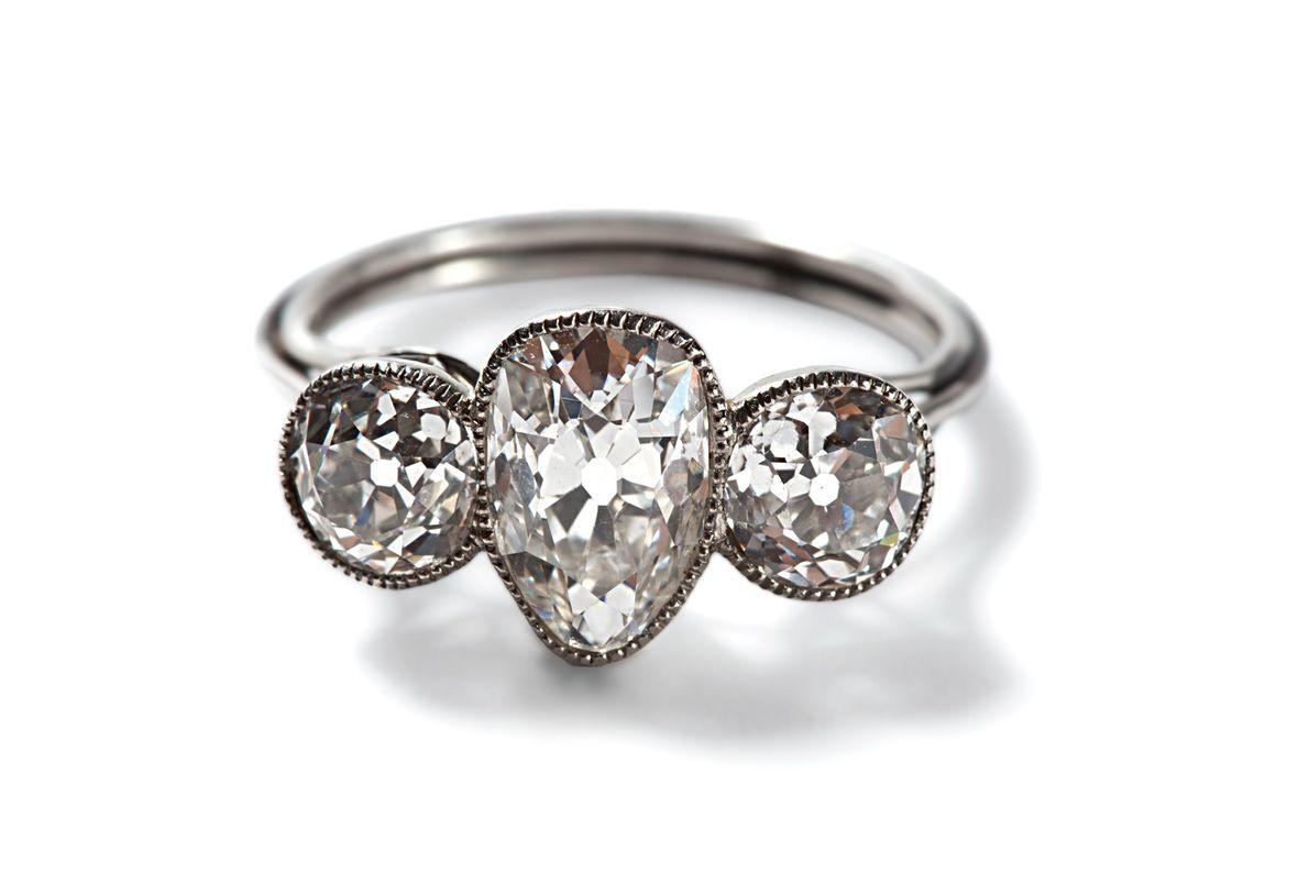 anel-de-platina-objeto-titanic