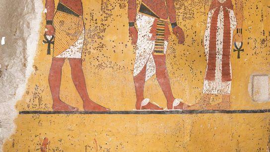 Seção da parede sul da câmara funerária de Tutancâmon cujo reboco foi danificado quando Howard Carter ...