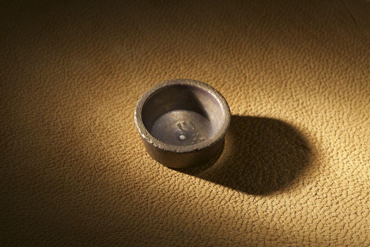 Metalúrgicos europeus teriam usado pesos como esse, encontrados na ilha de Roanoke, no que foi chamado ...