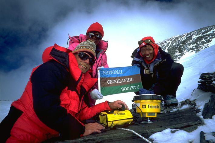 A expedição, patrocinada pela National Geographic Society e pelo Museu de Ciências de Boston, calculou a ...
