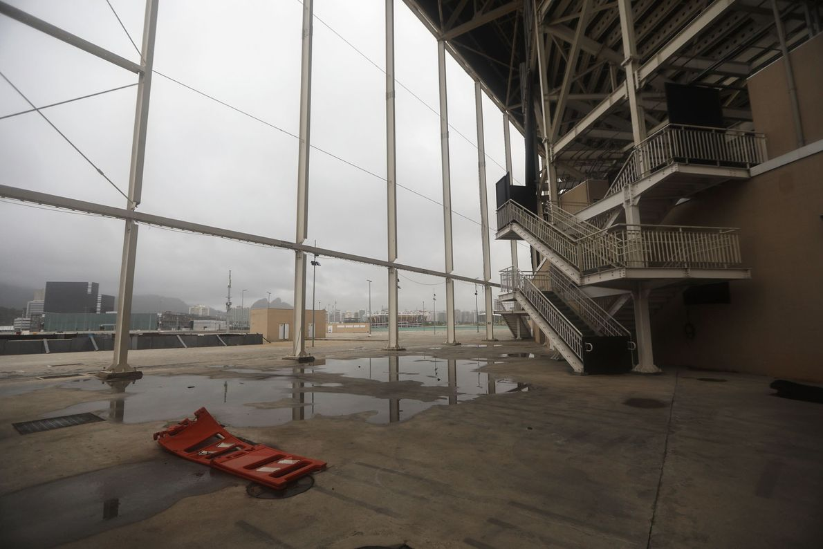 estadios-olimpicos-abandonados-em-ruinas