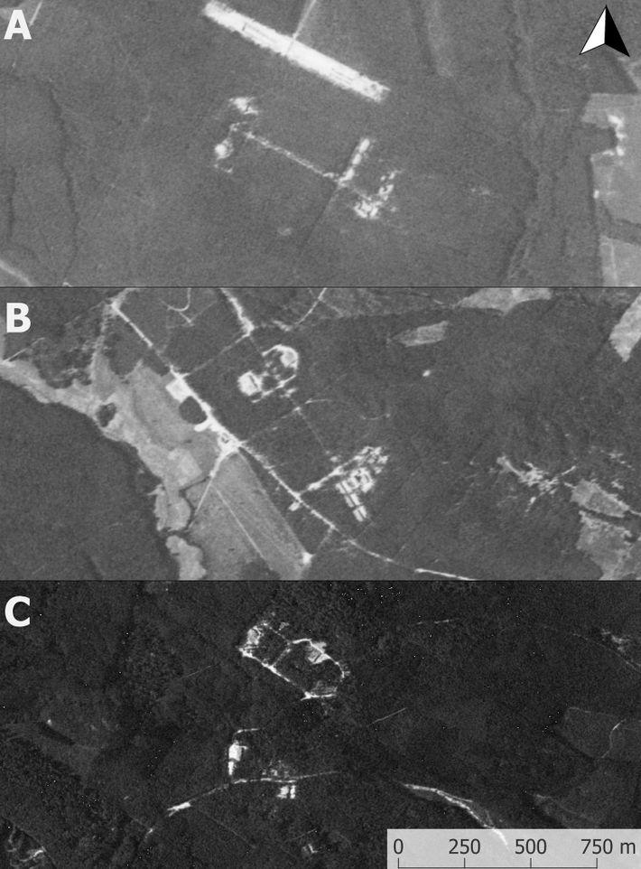 Imagens de satélite das bases nucleares soviéticas obtidas por espiões dos Estados Unidos e que tiveram ...