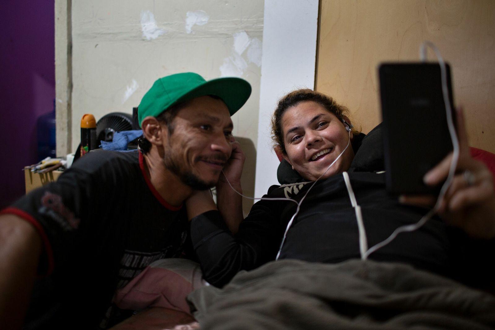 Kataleya encontrou companheirismo em Angel, mas ele não quer ir para os Estados Unidos.