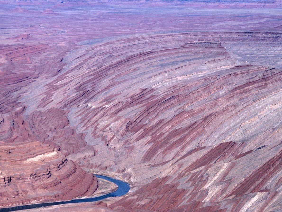 RAPLEE RIDGE - Parte do Monument Upwarp no sudeste de Utah, é um anticlinal longo e ...