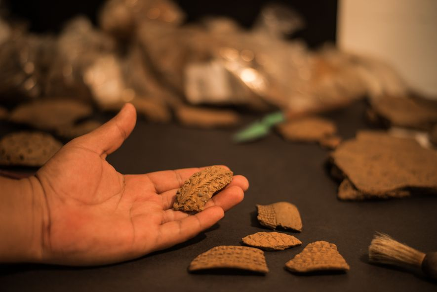Cerâmica coletada na região do sítio arqueológico Cadeado, na região da Usina Hidrelétrica Teles Pires, pela ...